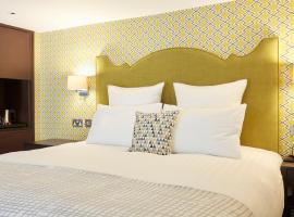 54 Queen's Gate Hotel