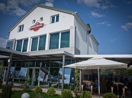 Hotel Luka's, Беране