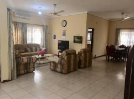 Connie's Home, Аккра (рядом с городом Otinshi)