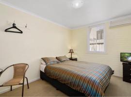 Newport Homestay & Lodge - The Lodge