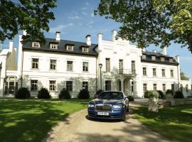 Rumene Manor