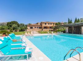 Arta Villa Sleeps 12 Pool Air Con WiFi
