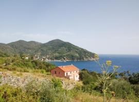 Levanto Villa Sleeps 11 WiFi