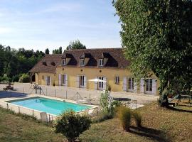 Bergerac Villa Sleeps 12 Pool