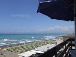 Marina di Castagneto Carducci Apartment Sleeps 5