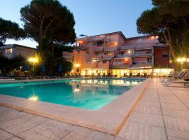 Versilia Palace Hotel, Marina di Pietrasanta (Fiumetto yakınında)