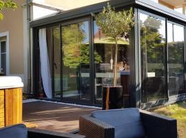 Appartement contemporain jardin & jacuzzi