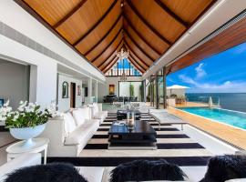 PARA // 5 BED . . . by An Opulent Collection