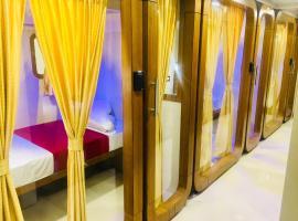 Qubestay Airport Capsule Hotel & Hostel