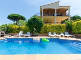 Montbarbat Villa Sleeps 12 Pool