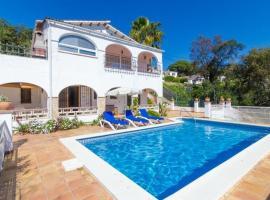 Montbarbat Villa Sleeps 9 Pool Air Con WiFi