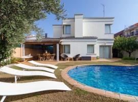 Pineda de Mar Villa Sleeps 6 Pool Air Con WiFi
