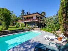 Montbarbat Villa Sleeps 10 Pool