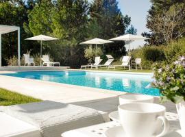 Parrino Villa Sleeps 14 Pool Air Con WiFi