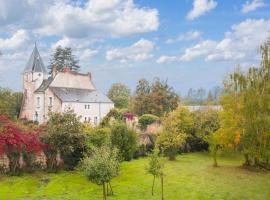 Villeloin-Coulange Chateau Sleeps 12 WiFi