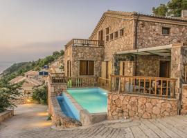 Agios Nikitas Villa Sleeps 7 Pool Air Con WiFi