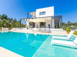 Agios Mathaios Villa Sleeps 6 Pool Air Con WiFi