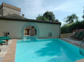 Volognano Villa Sleeps 12 Pool WiFi