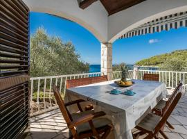 Villa - 20 m from the sea with spacious terrace