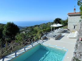 Pontone Villa Sleeps 12 Pool Air Con WiFi