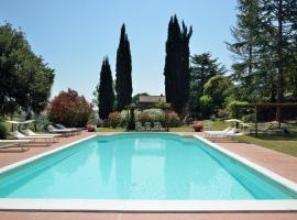 Civita di Bagnoregio Villa Sleeps 14 Pool WiFi
