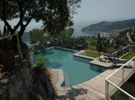 Villefranche-sur-Mer Villa Sleeps 10 Pool Air Con