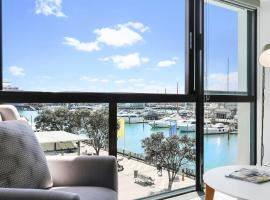 Stylish 2 bedroom apartment in Viaduct Harbour