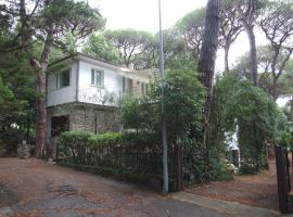 Marina di Castagneto Carducci Apartment Sleeps 8