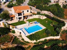 villa nina - three bedroom with terrace and swimming pool