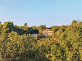 Five-Bedroom Holiday Home in Bonnieux