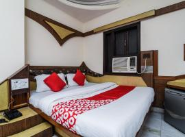 OYO 20000 Hotel Cottage Crown Plaza
