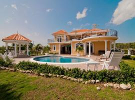 Copperwood Luxury Oceanfront Villa with Pool