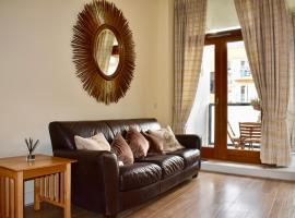Modern 2 Bedroom Apartment near the City Centre