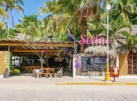Selina Puerto Escondido