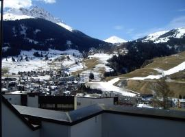 Penthouse Tgampi mit Ausblick in die Bergwelt
