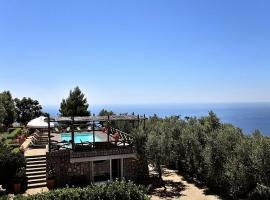 Torca Apartment Sleeps 4 Pool Air Con WiFi T227217