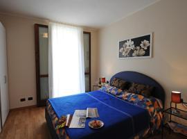 Argegno Apartment Sleeps 8 Pool T421308
