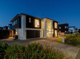 Long Bay Spacious Luxurious Modern 5 Bedroom House
