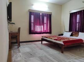 Hotel Leela Nikunj