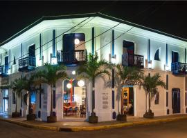 Estrella Beachfront Hotel
