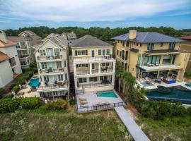 Direct Oceanfront w/ Pool, Elevator, Sweeping Views, Easy Beach Access!