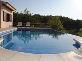 San Agustin de Guadalix Villa Sleeps 6 Pool WiFi