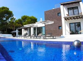 Cala Bassa Villa Sleeps 12 Pool Air Con