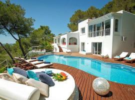 Can Furnet Villa Sleeps 10 Pool Air Con WiFi