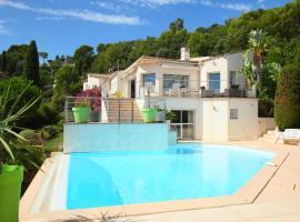 Vallauris Villa Sleeps 10 Pool WiFi