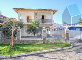 Casa 125 - 5 dorm. quadra da praia Cachoeira do Bom Jesus