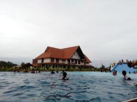 Savanna Hill Resort