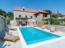 Rusici Villa Sleeps 10 Air Con WiFi
