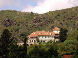 El Castillo de Mandl, La Cumbre (Cruz Chica yakınında)