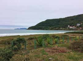 Casa açoriana de frente pra praia, até 8 hóspedes